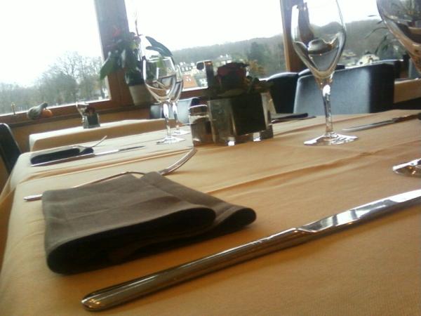 Nappes chemins de table serviettes bellanap for Ensemble nappe et serviette de table